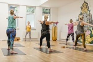 Vinyasa Basic - Yoga für Anfänger | Yogato | Yoga Neuss