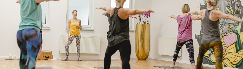 Livestream Yoga - praktiziere von zu Hause aus | Yogato | Yoga Neuss