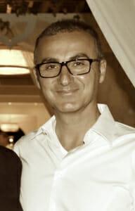 Hakan Kizmaz | Yogalehrer | Yoga Neuss Yogato Yogastudio